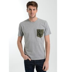 Tee-shirt poche poitrine imprime motifs fantaisie