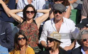 Look réussi pour Jean Dujardin à Roland Garros. Crédit : leblogdemonsieur.fr