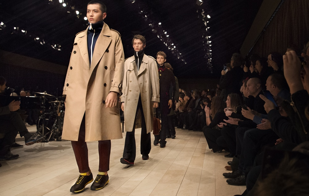 1191618_1452530341_burberry-menswear-january-2016-show-finale-1