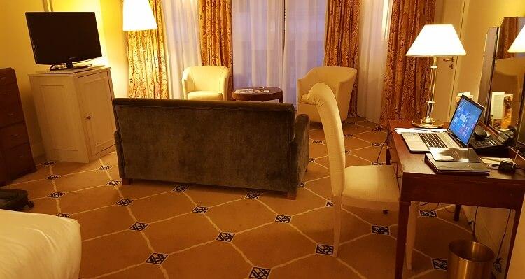 hotel martinez 2
